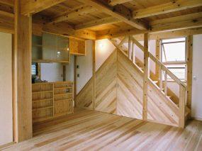 木組みの家「五香の木の家」居間