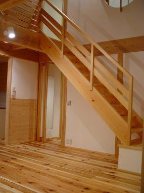 木組みの家「所沢の家」階段