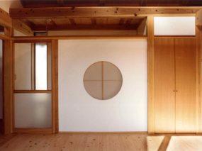 木組みの家「善福寺の家」丸窓
