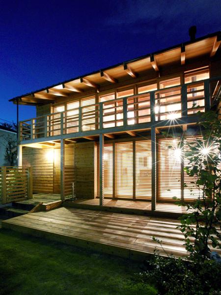 株式会社タマケン「下高井戸の家」外観夜景