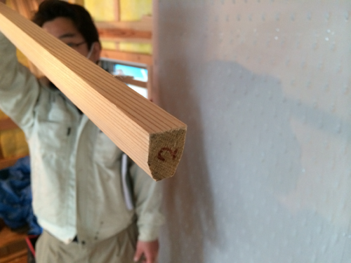 茶室天井の細い竿縁です。繊細な空間に仕上げます