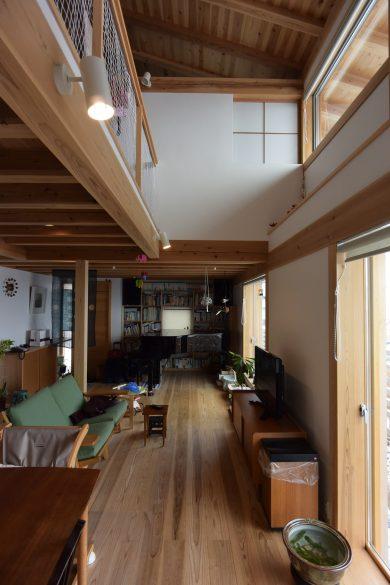 松本城の見える家 室内