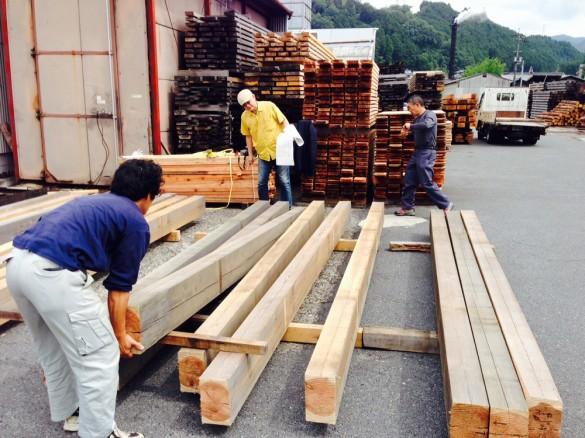 「佐倉の平屋」材木検査