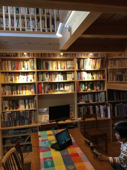 本棚にも本が入りました。